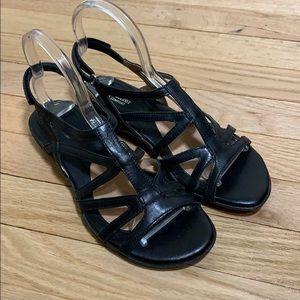 Women's black straps sandals size 7.5